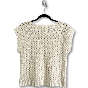CROCHETED WHITE CROPPED CAP SLEEVE SWEATER